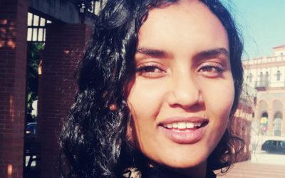 «Muchas mujeres árabes viven una vida en casa y otra fuera»