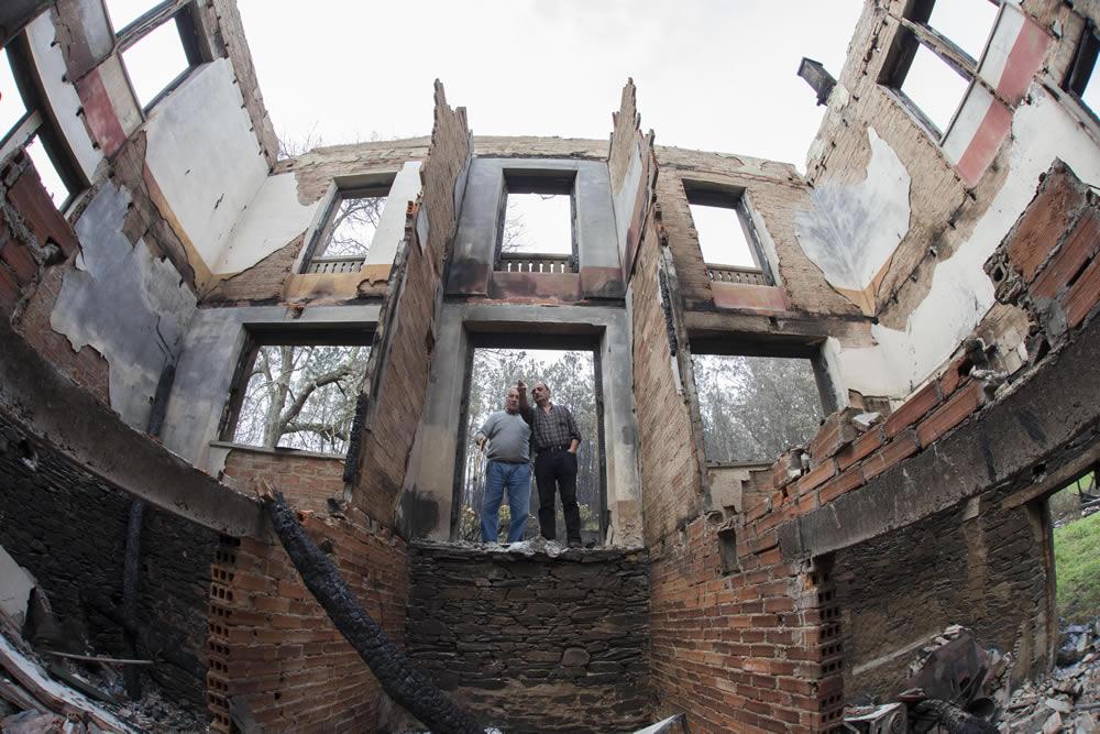 Viviendas destruidas en El Franco